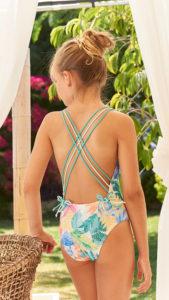 Bañador Niña Perforado & Estampado Floral Multicolor de Mari Cruz Moda Infantil