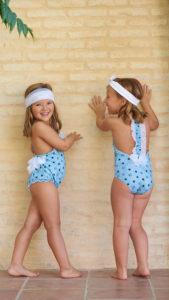 Bañador Niña Estrellitas Verde Agua & Lazo Tul Plumeti Espalda de Mari Cruz Moda Infantil