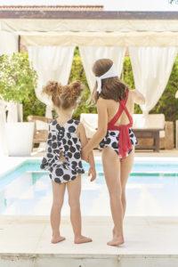 Bañador Niña Estampado Cebra & Tirantes Cruzados Tul Rojo de Mari Cruz Moda Infantil