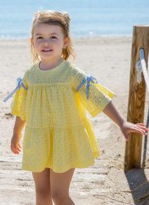 Vestido Niña Perforado Amarillo & Mangas Acampanadas de Rochy
