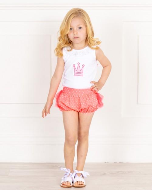 Outfit Niña Camiseta Blanca & Short Volantes Flúor Coral & Sandalias Glitter Blanco