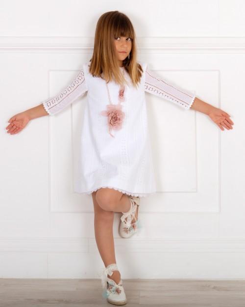 Outfit Niña Niña Evasé Algodón Perforado Blanco & Manga Francesa & Collar Flores & Alpargatas