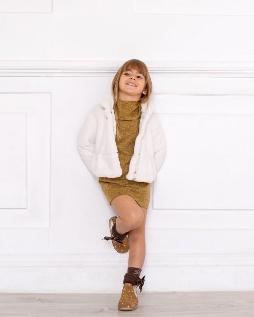 Outfit Vestido Punto Mostaza Melange & Abrigo de Pelo