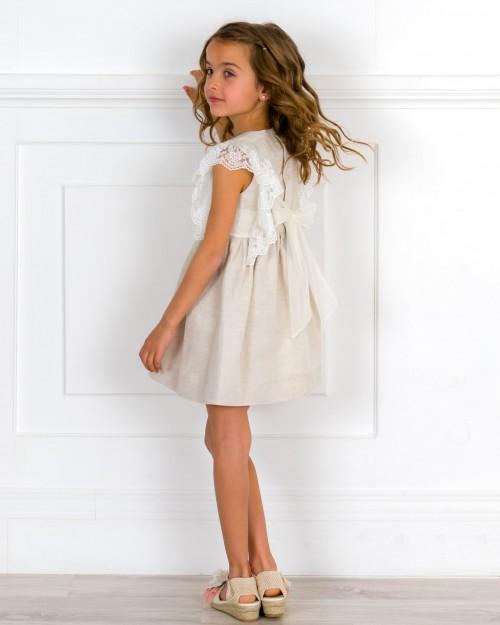 Outfit Niña Vestido  Beige con Mangas Volante Tul Bordado & Alpargatas Crudo & Adorno Floral