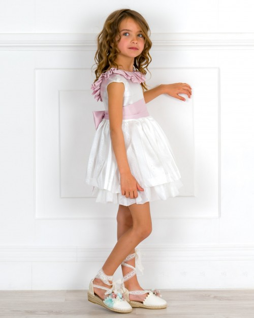 Outfit Niña Vestido Arras Brocado Blanco Roto & Rosa & Alpargatas Flores
