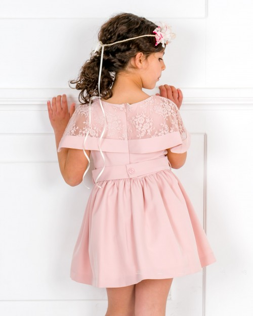 Outfit Niña Vestido Bioelástico & Cuello Capelina Encaje Rosa Empolvado & Alpargatas & Corona Flores