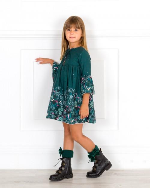 Outfit Niña Vestido Mangas Campana Verde & Flores & Botas Negras