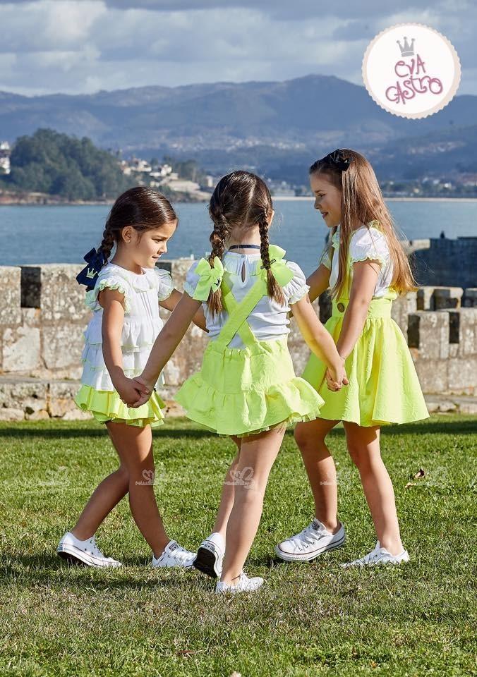 63c94d7b1 Eva Castro Conjunto Niña Camiseta Blanca   Ranita Volante Amarillo ...
