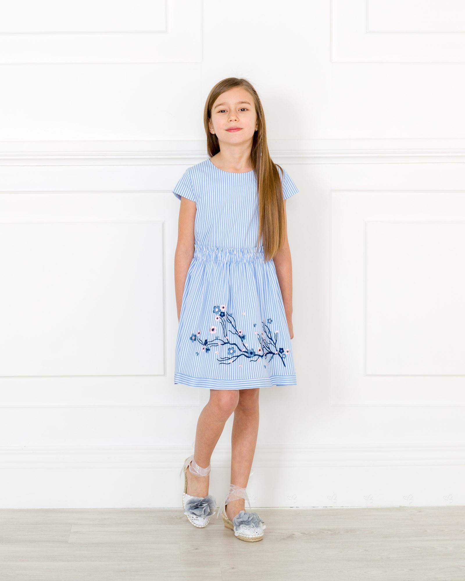 e781c4f44 ... Meilisa Bai Vestido Niña Bordado Floral Rayas Azul Blanco ...