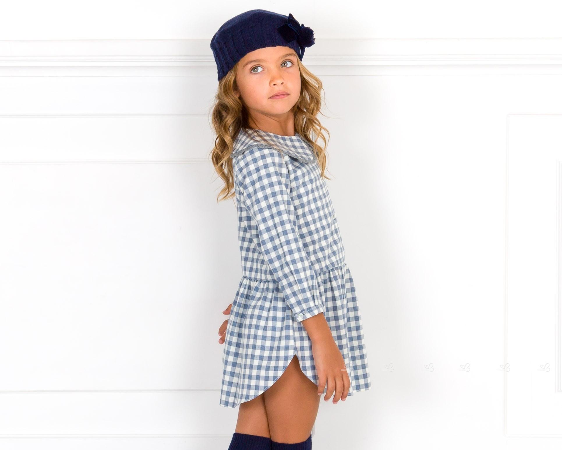 Outfit Niña Vestido Vichy Azul   Cuello Peter Pan Puntilla   Boina ... dc21843136a