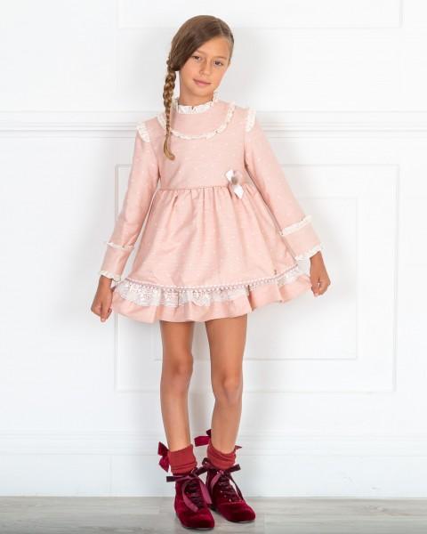 Outfit Niña Vestido Rosa Empolvado con Topitos & Botines Terciopelo Granate