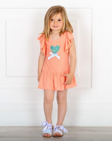 Outfit Niña Vestido Manga Mariposa Coral & Corazón Glitter & Sandalias Glitter Blanco