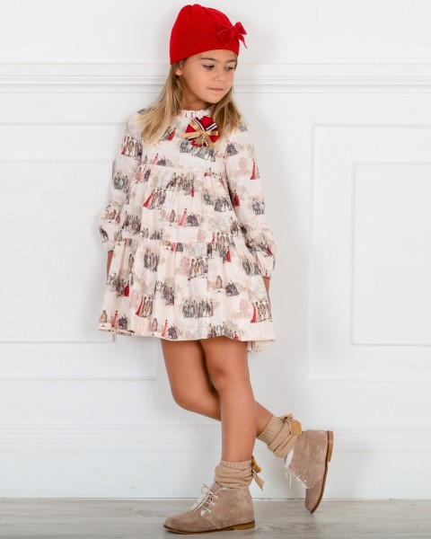Outfit Niña Vestido Estampado Toile de Jouy Piedra & Rojo & Botines Piel Serraje Visón