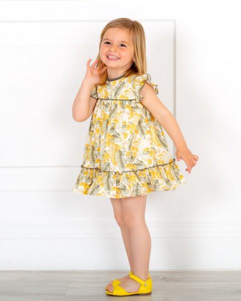 Outfit Niña Vestido Lazada Estampado Floral Mostaza & Verde & Sandalia Piel Amarillo