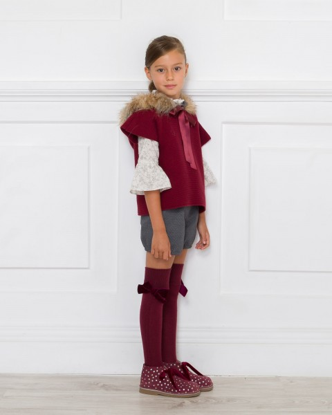 Outfit Chaleco Poncho Granate