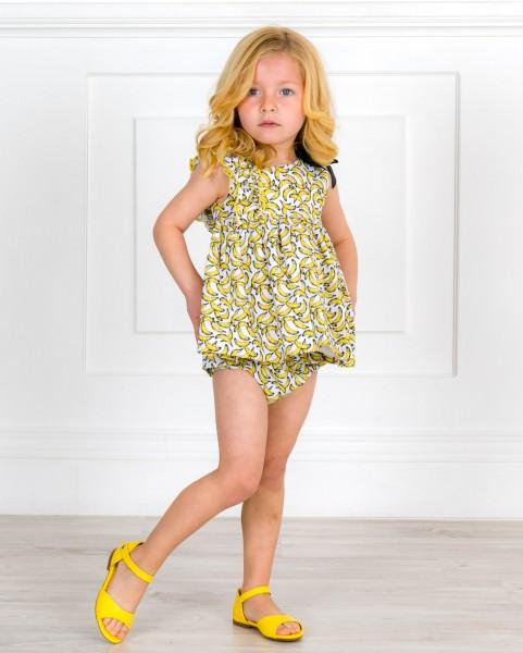 Outfit Niña Jesusito Plátanos & Tirantes Asimétricos & Sandalia Amelia Piel Amarillo