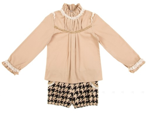 Beige Blouse & Houndstooth Printed Shorts