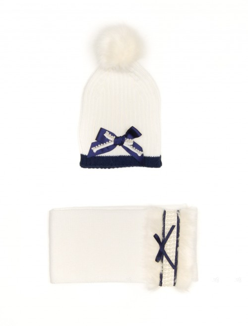 Ivory Knitted Hat with Pom-Pom & Scarf Set