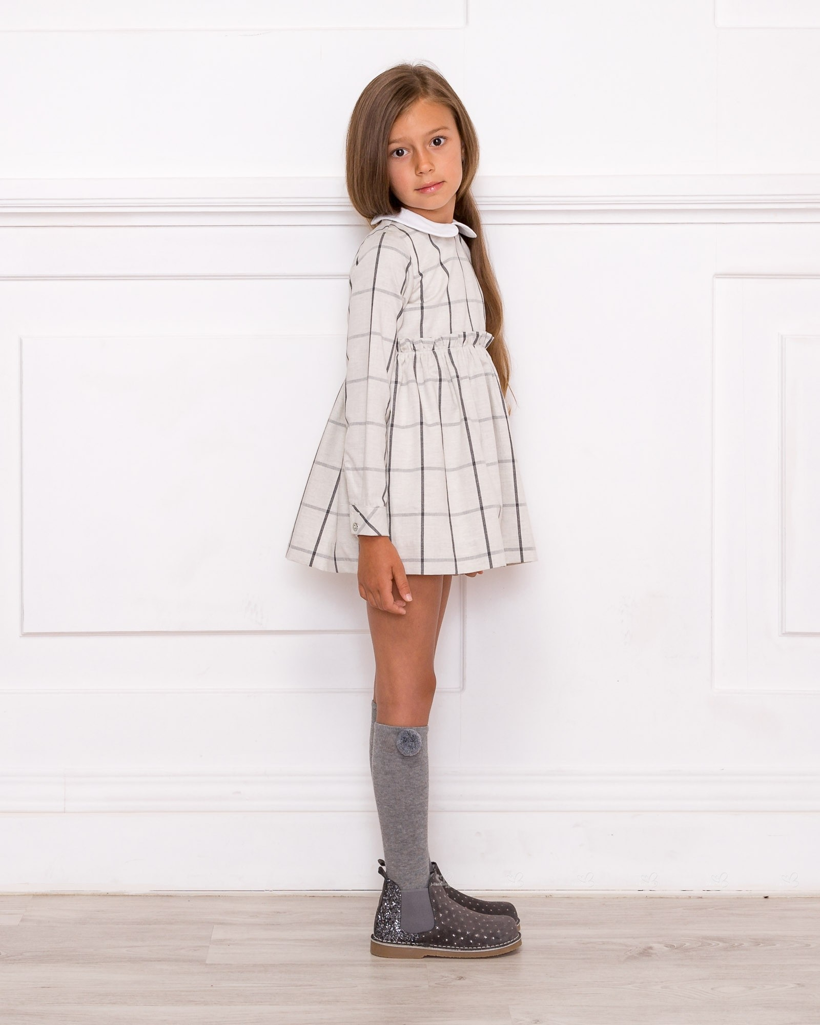 Manuela Montero Girls Gray Checked Dress with White Peter Pan Collar