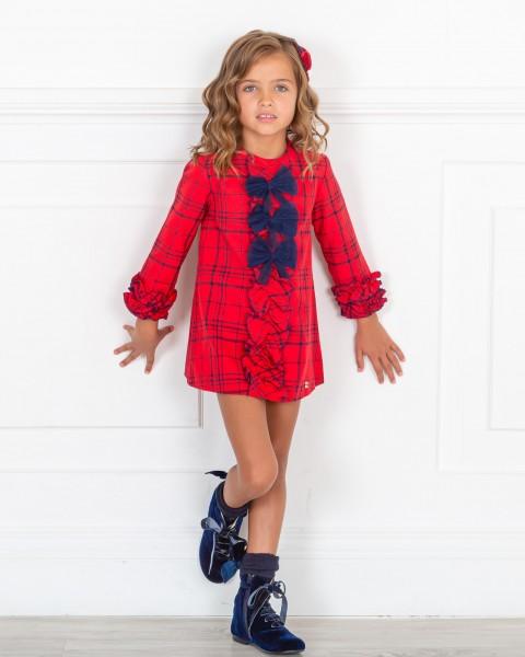 Outfit Niña Vestido Evasé Estampado Cuadros Rojo & Botines Terciopelo Azul Marino