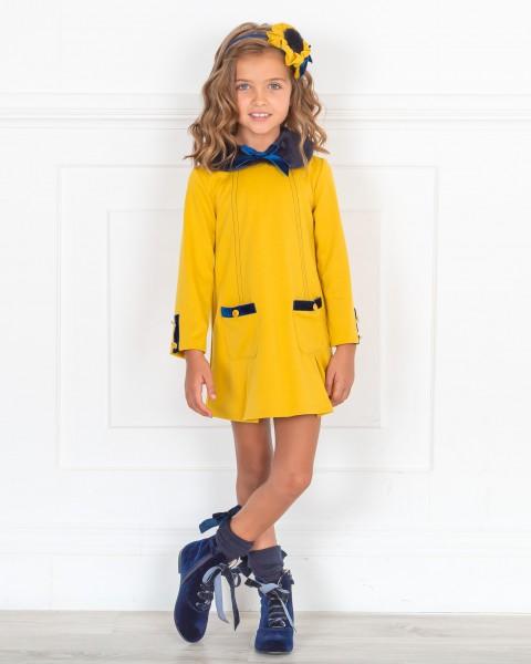 Outfit Niña Vestido Niña Tablas Elástico Mostaza & Botines Terciopelo Azul Marino