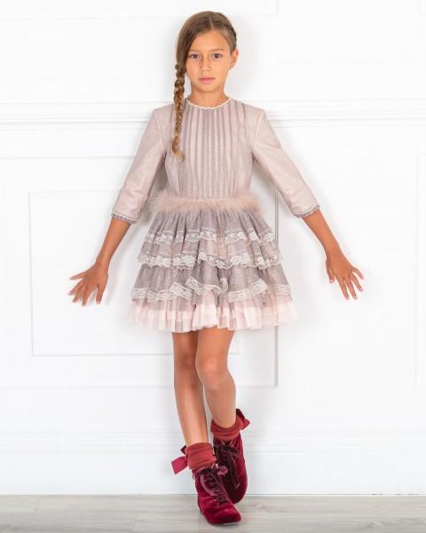 Outfit Niña Vestido Volantes Rosa Palo & Tul Plateado & Botines Terciopelo Granate