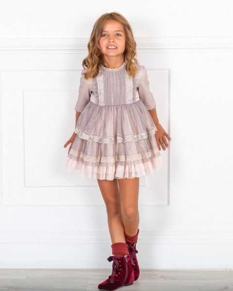 Outfit Niña Vestido Rosa Palo & Tul Plateado & Botines Terciopelo Granate