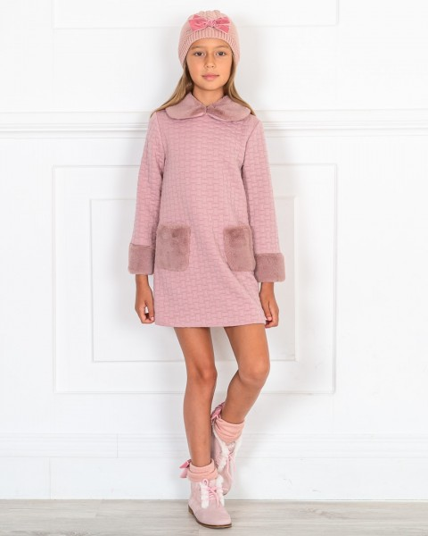 Outfit Niña Vestido Rosa Palo Acolchado & Botines Piel Serraje Rosa & Gorro Punto Rosa